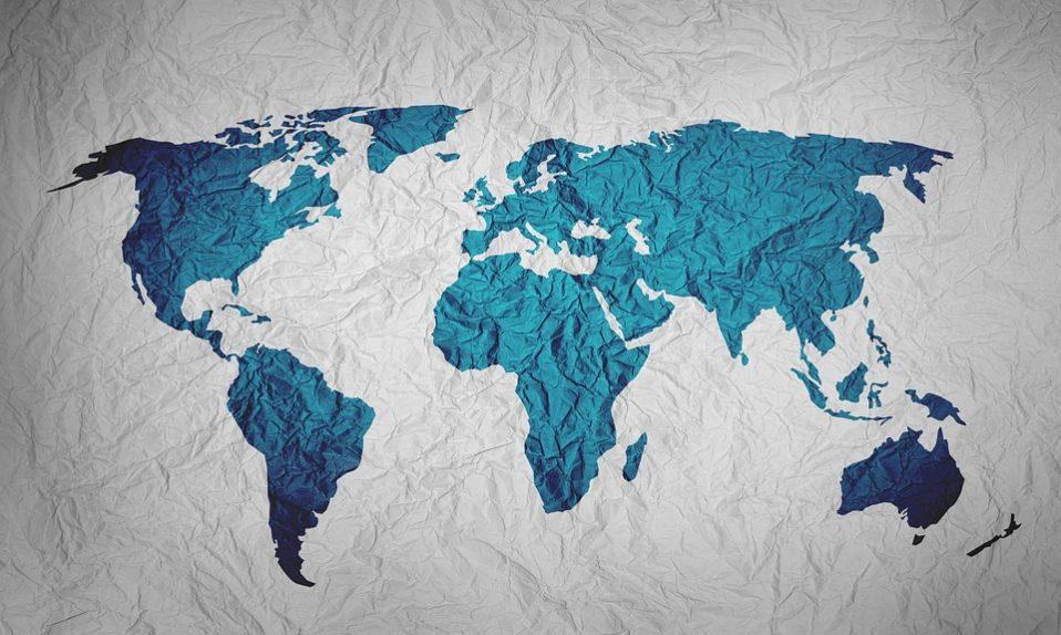 map of the world 2401458 960 720 958x574 - Як захистити права дитини, якщо держава цьому не сприяє